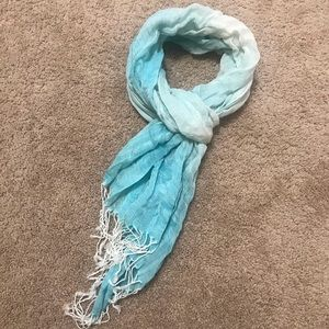 🧣H&M Women's Fashion Light Blue Scarf🧣